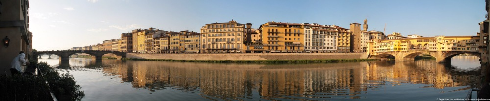 FLORENCE Panoramique bord de l'Arno, photo Serge Briez®