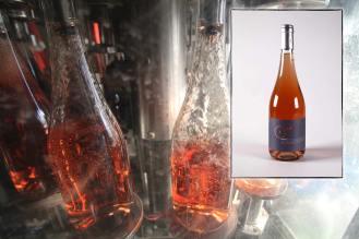 Infographie pour la page de présentation du vin rosé Ozé du Mas des Caprices, par Serge Briez pour Cap Médiations 2012